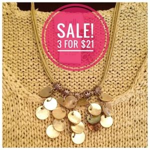 ♦️3/$21❗️Green Shell necklace